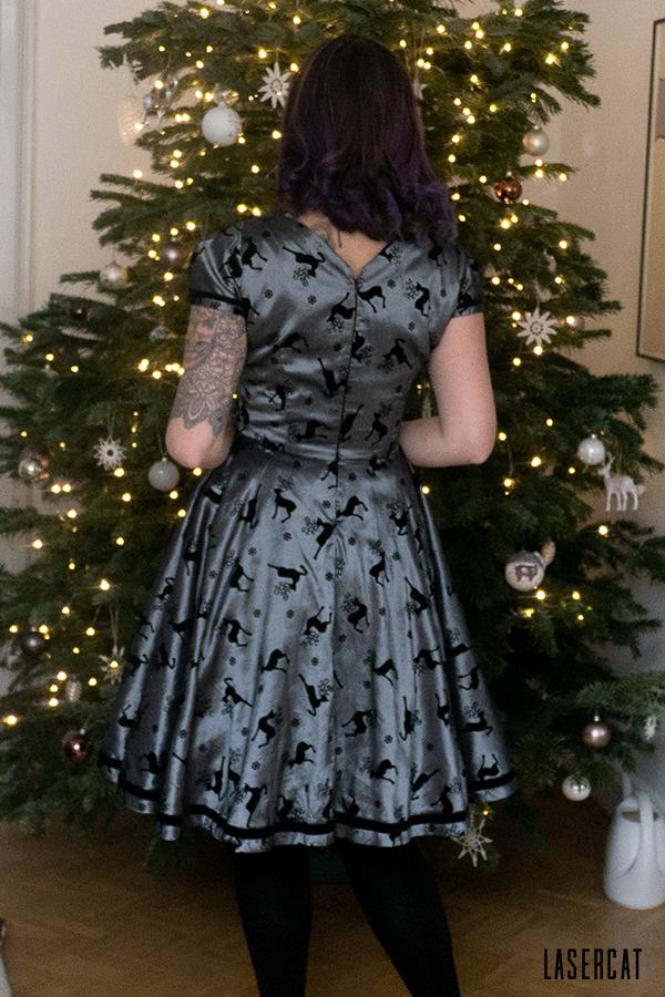 Das Weihnachtspartykleid von hinten