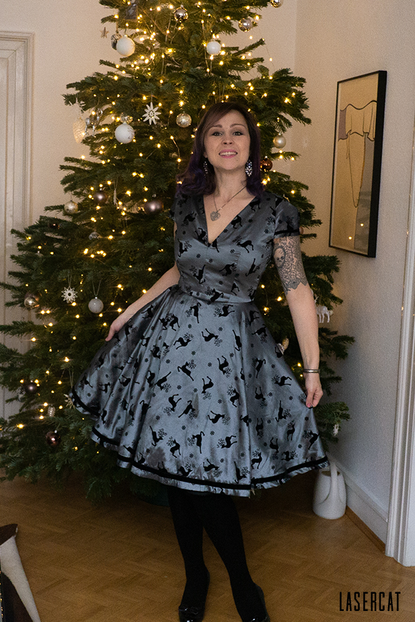 Weihnachtskleid nähen aus Dekostoff