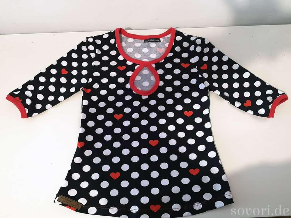 Jerseyshirt mit halbärmeln und Cutout