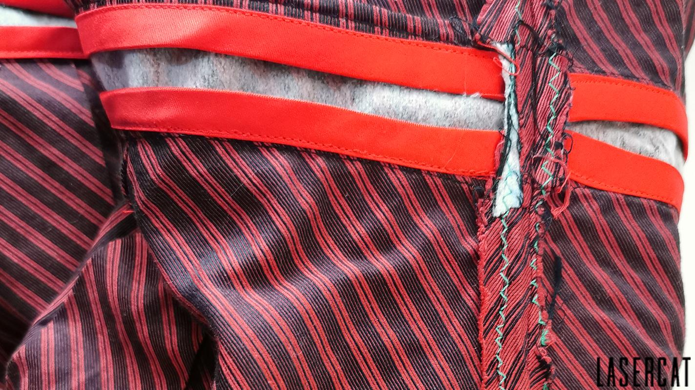 Nahtzugabe mit Schrägband versäubern