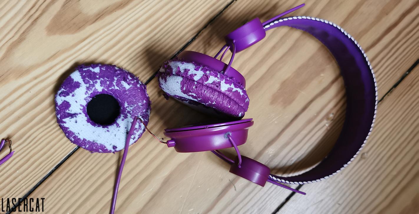 Kaputtes Ohrpolster beim Kopfhörer