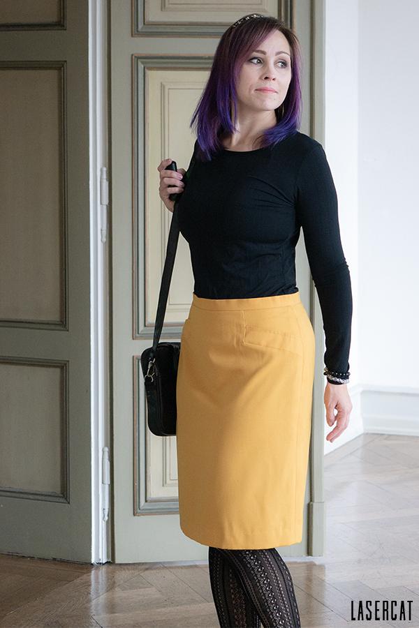 Basicshirt Lucia mit gelbem Pencilskirt