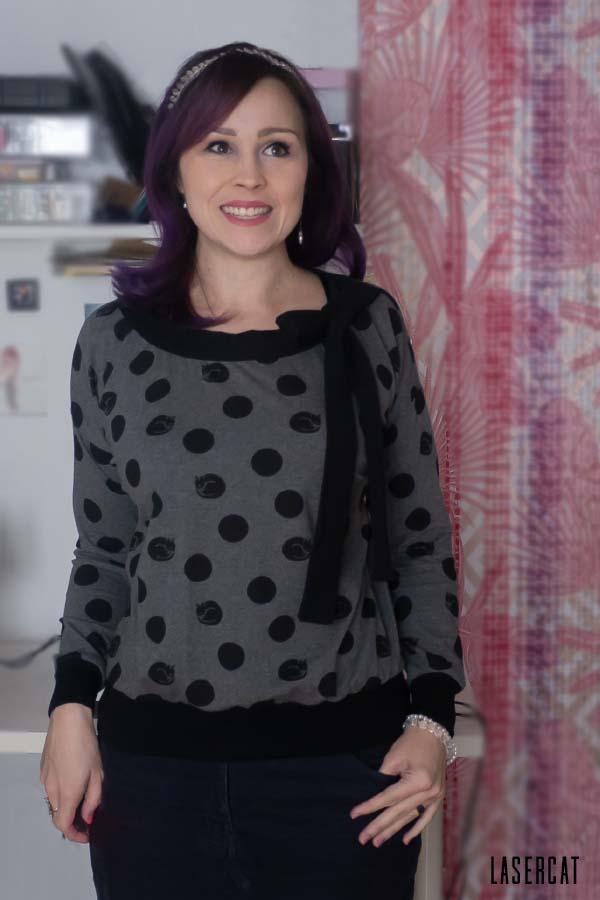 Pullover mit Bündchen und Schleife
