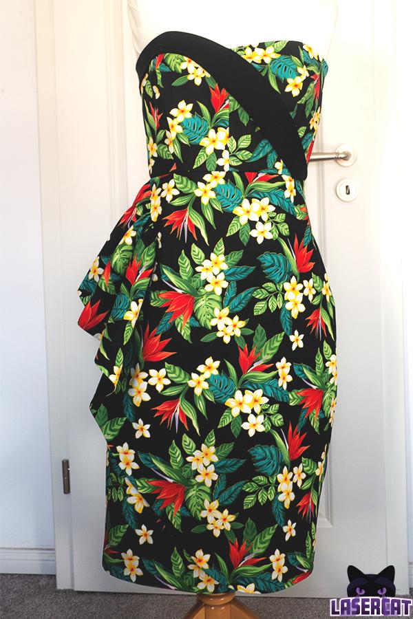 Lamout Dress Tiki Kleid
