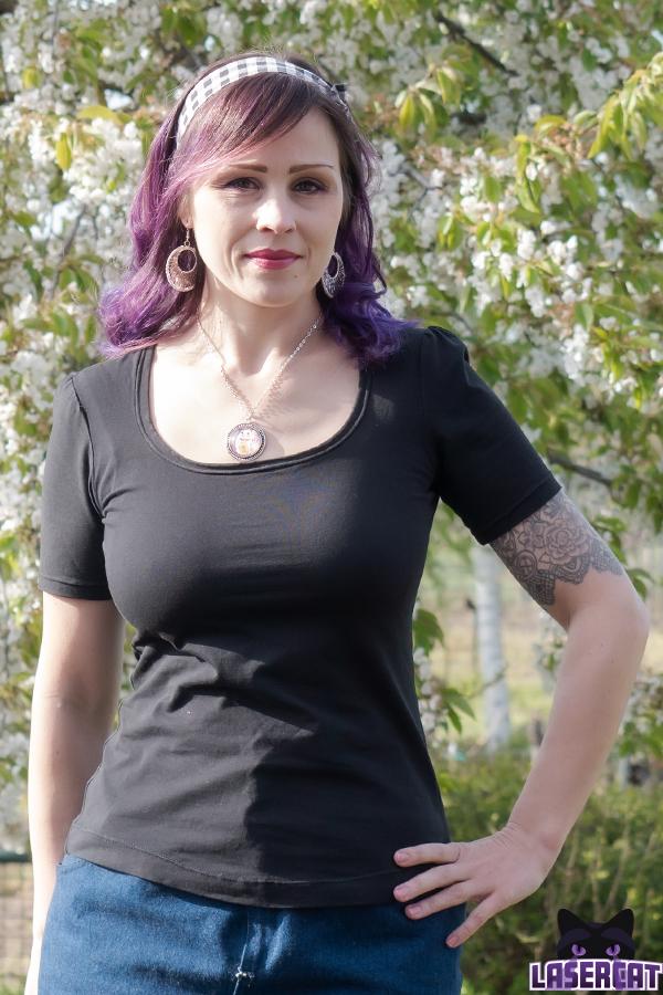 Ein simples schwarzes T-Shirt selber nähen