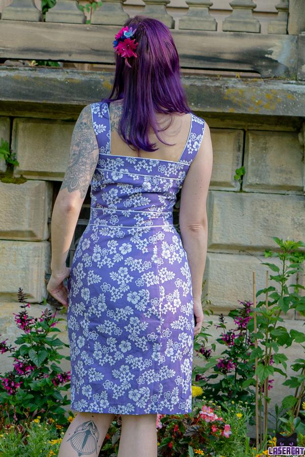 Sommerkleid mit breiten Trägertn