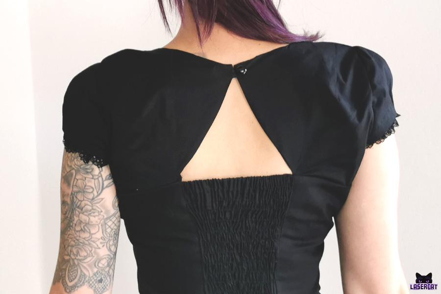 Vintagekleid mit gesmoktem Rückenteil